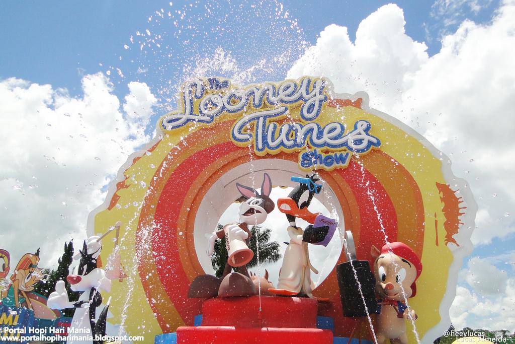 looney tunes theme: