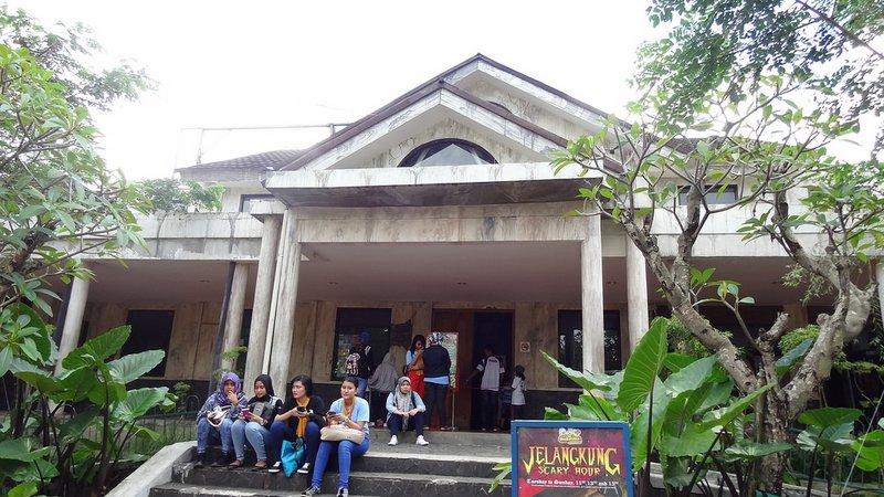 Jungleland Boulevard No. 1 Kawasan Sentul Nirwana Sentul City Bogor ...