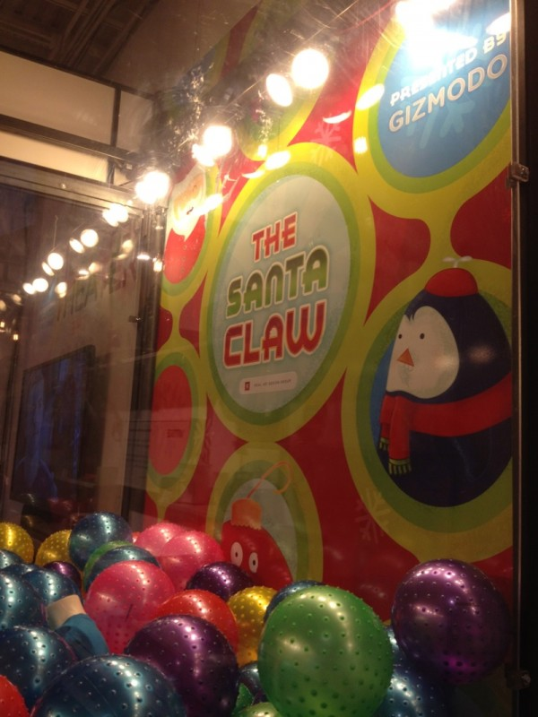 Real Art Design Group Dayton Oh : Theme park review the santa claw live machine