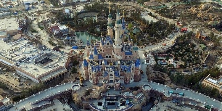 More Photos of Shanghai Disneyland!