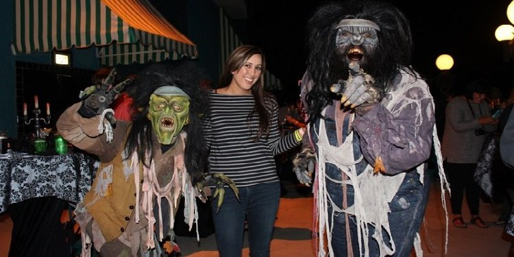 What's Happening at Knott's Scary Farm?