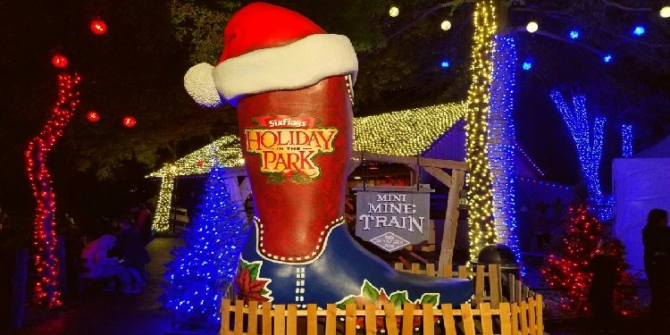 Six Flags Over Texas Holiday in the Park!