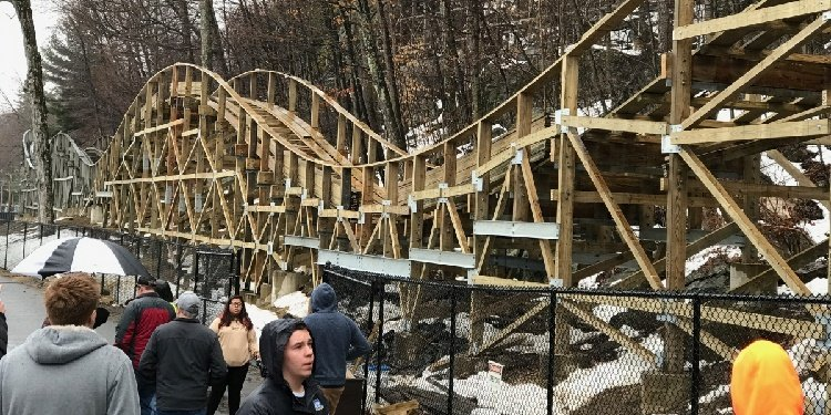 Construction Tour of Lake Compounce!