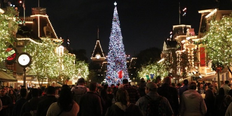 Holidays at the Disneyland Resort!