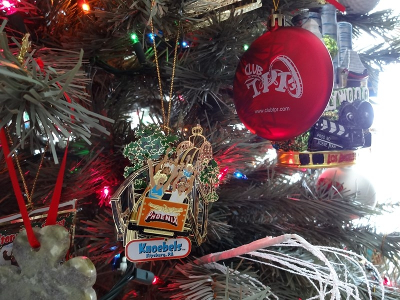There is also an ornament showing a small, unknown park with an obscure  wooden roller coaster. ;-): 005.JPG (352.21 KiB) Viewed 13972 times - Theme Park Review €� Christmas Tree Ornaments €� Theme Park Related