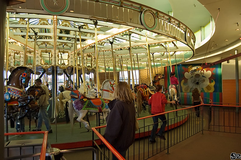 Theme Park Review Br Ring Merry Go