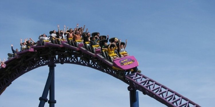 Six Flags New England's Opening Day!