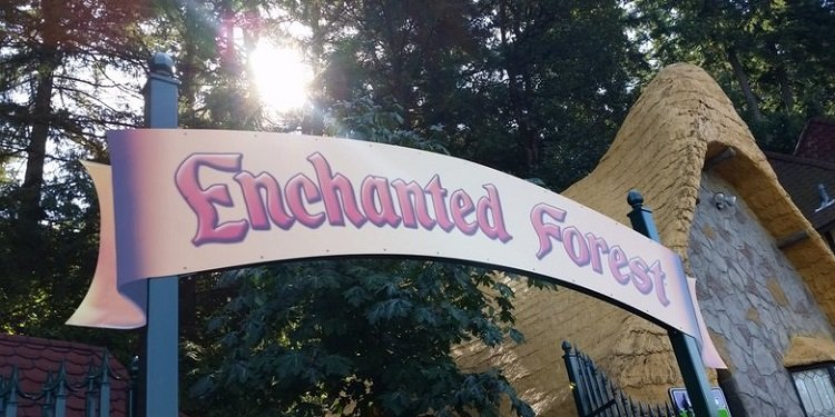 A Visit to the Enchanted Forest in Oregon!
