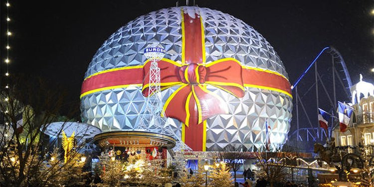 Top Theme Parks for the Holidays!