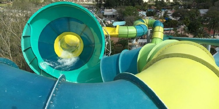 Colossal Curl at Adventure Island!