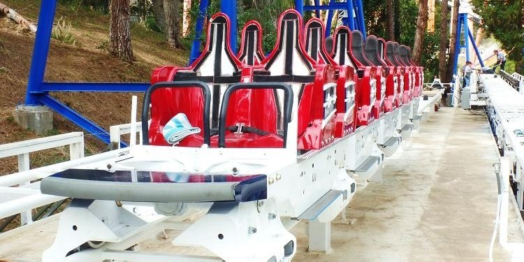 New Revolution Trains at SF Magic Mountain!