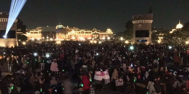 New Year's Countdown Party at Tokyo Disney!