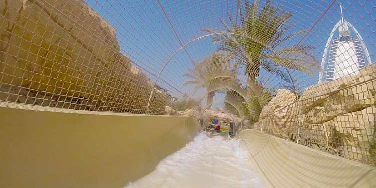 Robb & Elissa in the UAE: Wild Wadi!