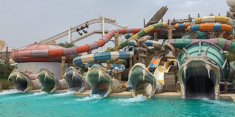 Robb & Elissa in the UAE: Yas Waterworld!