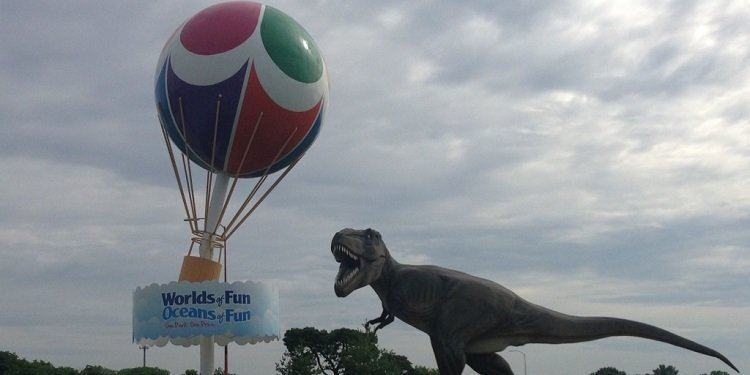 Dinosaurs & Coasters in Kansas City!