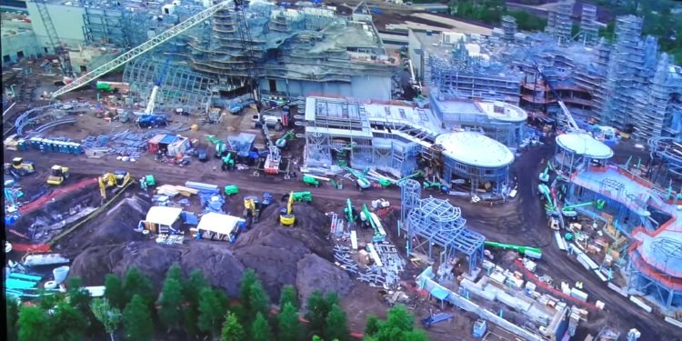 Star Wars: Galaxy's Edge Construction Update!