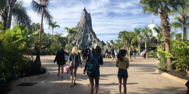 A First-Time Visit to Universal's Volcano Bay!
