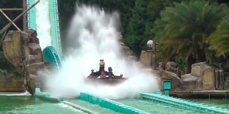 Get Soaked on a Taiwan Super Splash!